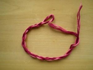 Простые фенечки из мулине